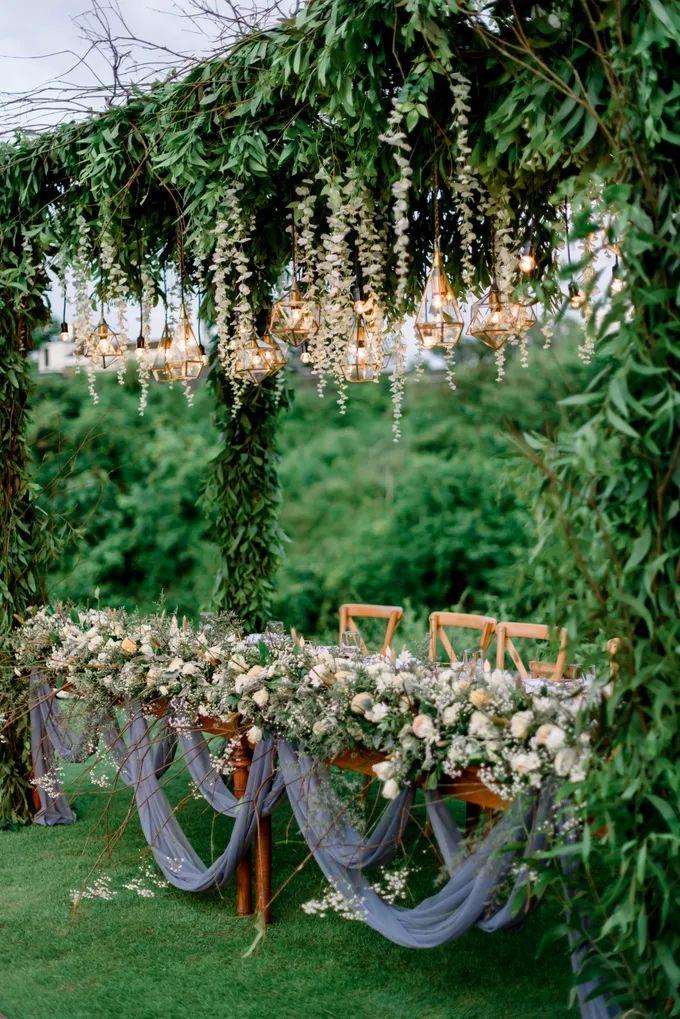 White Beauty Wedding theme by THE UNGASAN CLIFFTOP RESORT BALI - 020