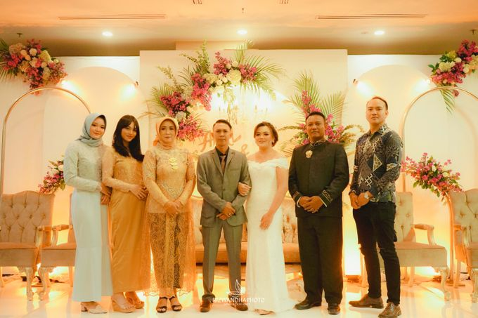 This Wedding is really inspirational for you who want to celebrate your wedding party using two kinds of vibes. On the firts day, this wedding was hel by Rizwandha Photo - 021