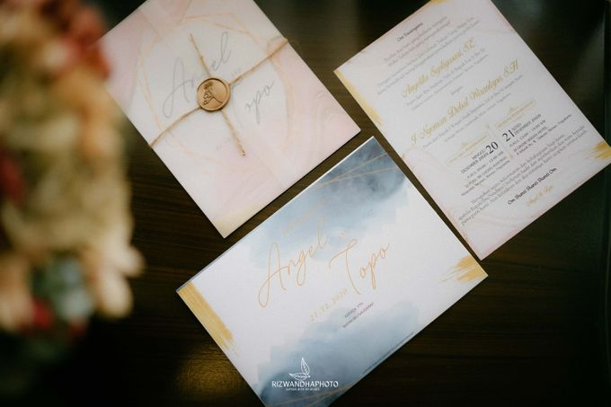 This Wedding is really inspirational for you who want to celebrate your wedding party using two kinds of vibes. On the firts day, this wedding was hel by Rizwandha Photo - 004