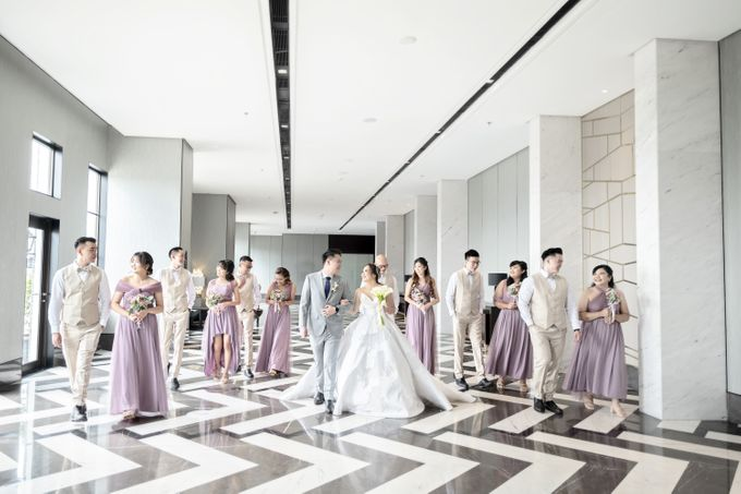 A luxury wedding reception in Bandung, using advanced technology to send digital invitation, took RSVP confirmation easily, put guests into table area by Connectied Virtual Wedding - 012