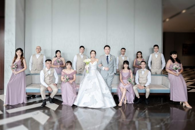A luxury wedding reception in Bandung, using advanced technology to send digital invitation, took RSVP confirmation easily, put guests into table area by Connectied Virtual Wedding - 013