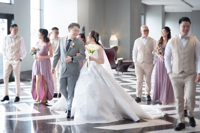 A luxury wedding reception in Bandung, using advanced technology to send digital invitation, took RSVP confirmation easily, put guests into table area by Connectied Virtual Wedding - 014