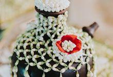 Javanese Traditional Wedding Theme at Dharmawangsa Hotel by Terralogical