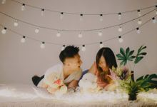 In our Studio - Yixue and Wenyi by Hong Ray Photography