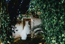 Grace and Ben Elopement Wedding in Bali by Terralogical