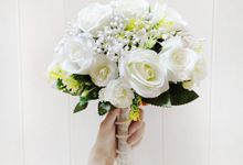 Artificial Wedding Hand bouquet - White Rose by raia_fleurs