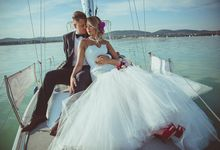 Wedding at the Lake by United Photographers