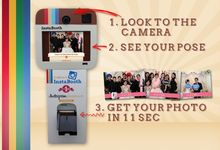 emoment instabooth the first instagram photobooth selfie in inodnesia by E'moment studio Photobooth
