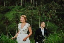 Intimate post wedding session of Corina & Razvan by Ario Narendro Photoworks