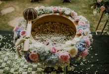 JAVANESE TRADITIONAL TINGKEBAN by Bali Izatta Wedding Planner & Wedding Florist Decorator