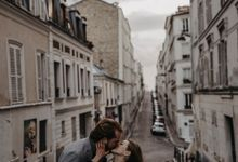 Intimate Couple Photoshoot In Paris by Février Photography | Paris Photographer