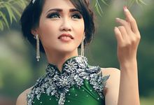 The Readystock - The Green Faerie by Siany Lee Couture