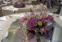 flower centerpiece by W Floral Design (wedding & event decoration) in Bali