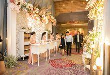 Receptionist Skenoo Hall by IKK Wedding Venue
