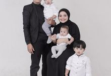 Family Photoshoot by Sabi Photography