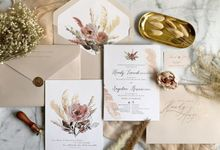 Romantic Bouquet by Trouvaille Invitation