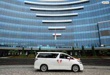 SEWA MOBIL PENGANTIN DAN KELUARGA JAKARTA - MERCEDES ALPHARD JAGUAR VELLFIRE WEDDING CAR JAKARTA by Fendi Wedding Car