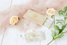Golden Wedding Anniv - Custom powerbank by PORTÉ by Clarin