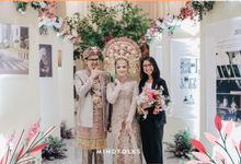 Planning Online with IKK by Skenoo Hall Emporium Pluit by IKK Wedding