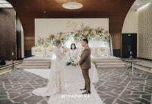 Holy Matrimony Moment at Menara Mandiri by  Menara Mandiri by IKK Wedding (ex. Plaza Bapindo)