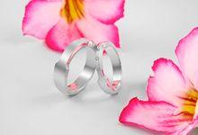 Spica wedding ring by Reine