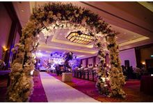Glamour Wonderland Wedding by HuE Florist & Decoration