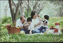 Family Portraiture by rockyjansen photography