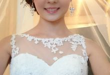 Bridal Make-up & Hair-do by Schnee Professional Make-up & Hairstylist