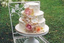 Sugar Floral with Buttercream by Carousel Moments
