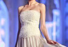 Catalyst from FLESH TO DUST Bridal Spring Summer 2015 - Runway Photo by Bramanta Wijaya Sposa