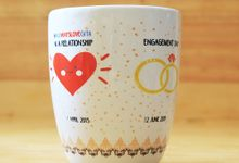 MUG CORNING WEDDING GITA & AULIA by Mug-App Wedding Souvenir