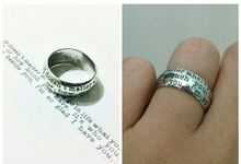 wedding ring engrave & finger print d'sign by V&Co Jewellery
