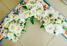 Flowers by Event Central by Lloyd Masmila Weddings and Stylist