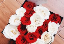blooms box by BLOOMSS Fleuriste