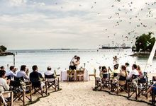 Beach Wedding by Regina Mae Fleurs Atelier Pte Ltd