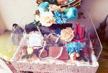 Kotak Kayu Ukir akrilik by Kreasi Seserahanku