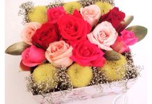 Clara Flower box by Clara the florist