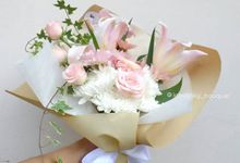 Hand Bouquet for Special Occasion by LABUSHKY Bouquet