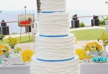 Santorini Inspired Wedding cake by Creme de la Creme Bali