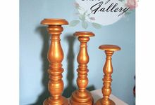 Vase / Flower Holder / Standing Flower by Canny Gallery