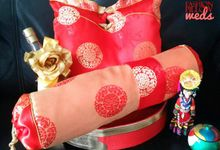 Chinese engagement pillows package by Fashion Pillow Weds