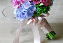 PURPLE BLUE theme wedding bouquet by Hana Flower Boutique by Hana Flower Boutique
