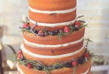 The Wedding cake of Felicia & Julian by Creme de la Creme Bali