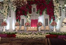 Flower wall by Suryanto Decoration
