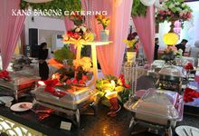 pink table setting by Kang Bagong Catering
