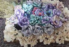 Tempat Sirih Cantik dan Rangkaian Bunga Uang by de house of seserahan