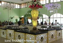 Green Table Setting by Kang Bagong Catering