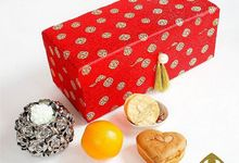 Engagement Hampers by SH Printing and Hampers