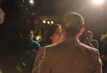 Pernikahan Tradisional Jawa dengan Sentuhan Modern by Aninda Nusratina