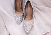 Vintage wedding with Cinderella Shoes by SLIGHTshop.com